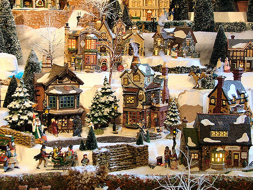 Dickens' Village Series, Hallmark Awesome Gifts
